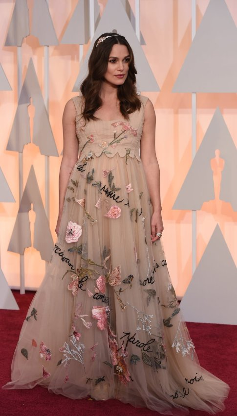 keira-knightley-oscars-red-carpet-2015